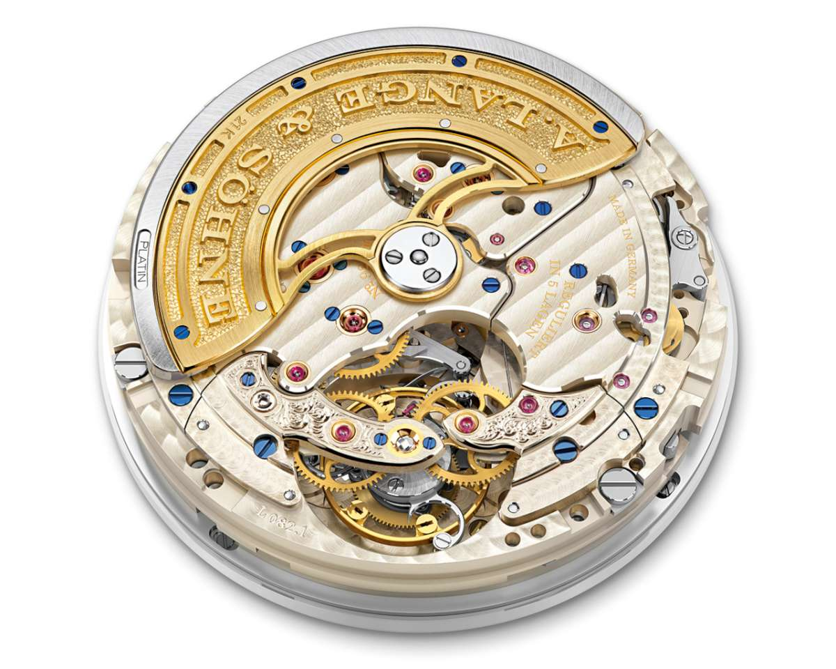 The L082.1 movement visible through the caseback