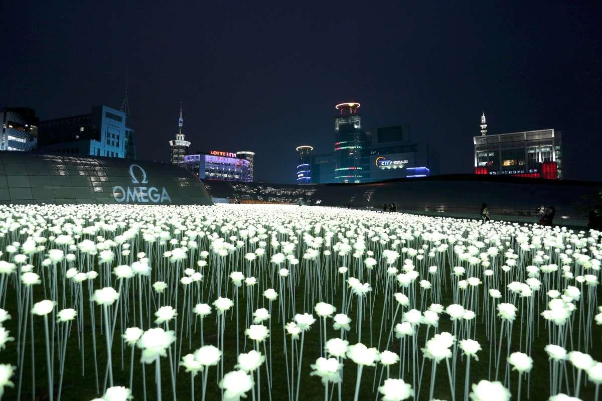 The scene at Dongdaemun Design Plaza