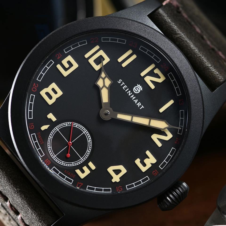 Military_42_black_dial