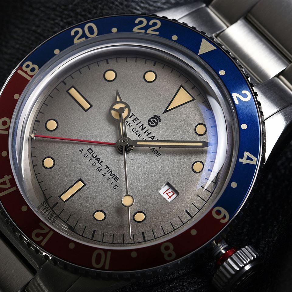Ocean One Vintage Dual Time_diagonal_steel_bracelet