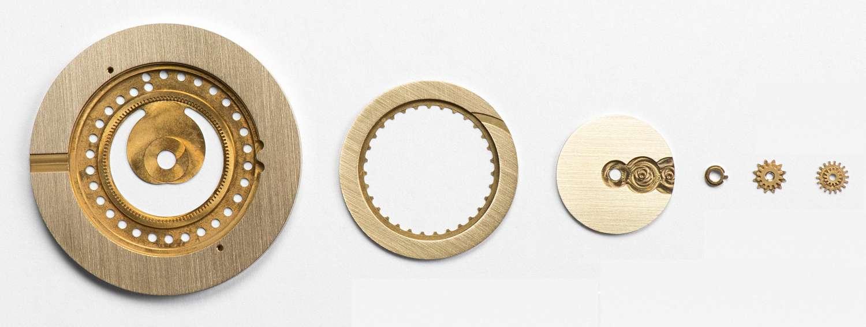 moon-phase-watch-ochs-und-junior-patina-components-1500