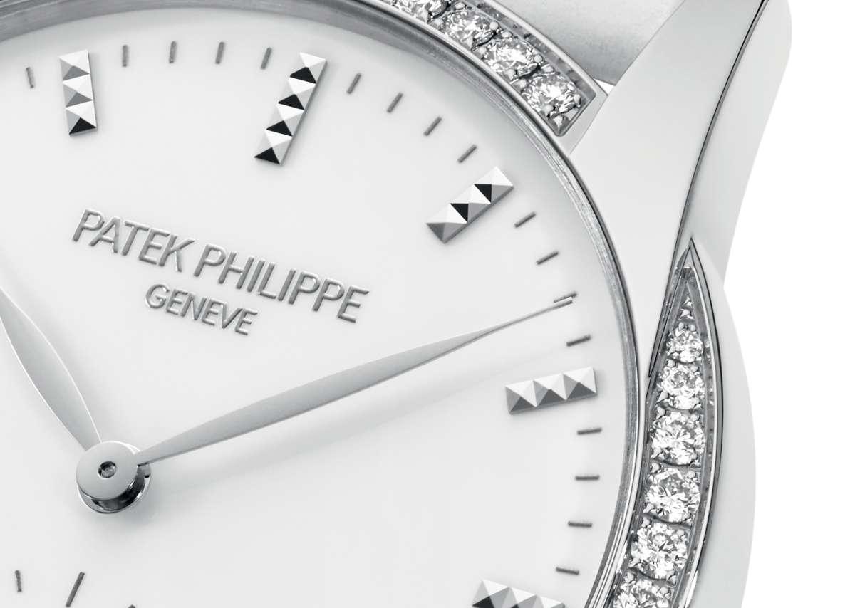 Patek Philippe Calatrava Timeless White Ref. 7122, diamond-setting detail