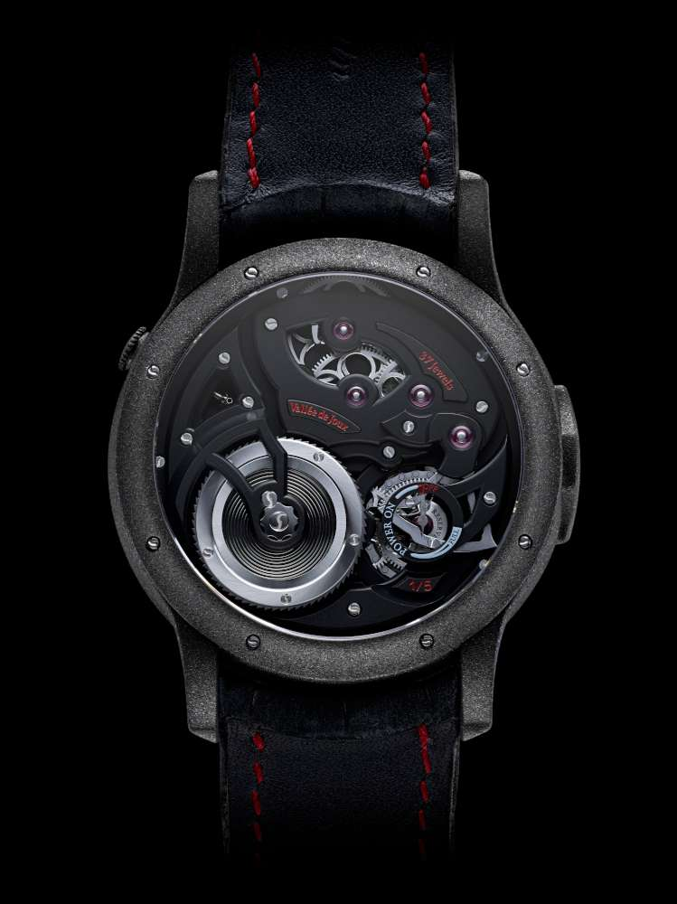 Romain Gauthier Logical One Enraged, red accents, caseback