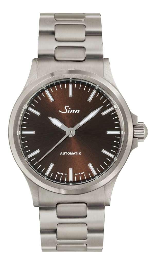 Sinn 556 I M on stainless streel bracelet
