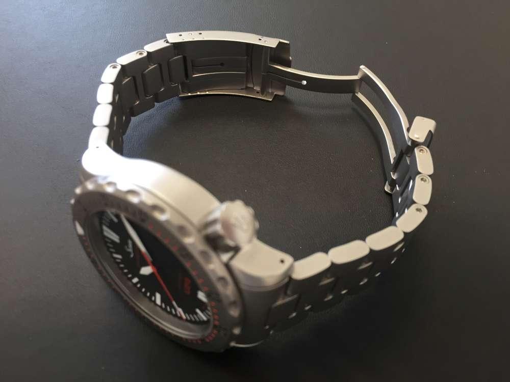 Sinn U212, stainless steel bracelet, step 1