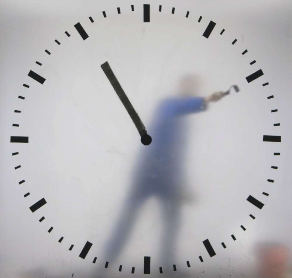 Schiphol clock by Maarten Baas