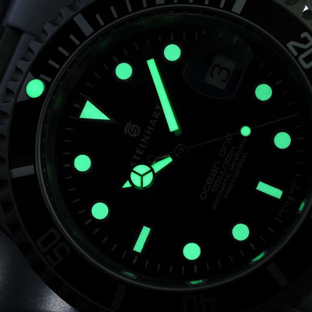 Steinhart Ocean 1 Black, luminescent paint