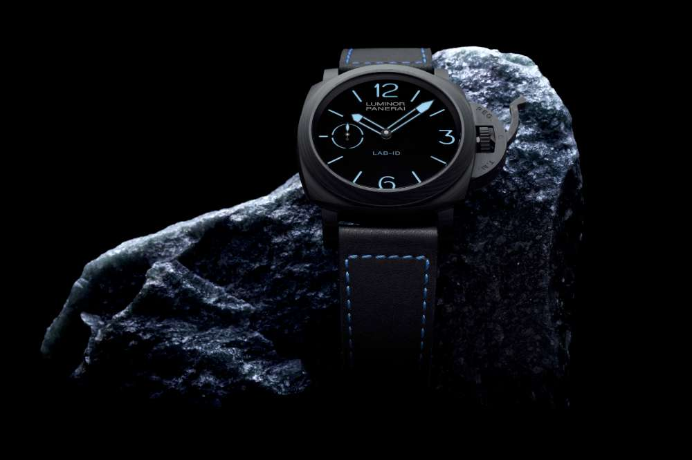 Panerai LAB-ID Luminor 1950 Carbotech 3 Days PAM 00700