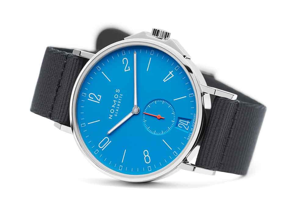 NOMOS Glashütte Ahoi Datum Signal Blue