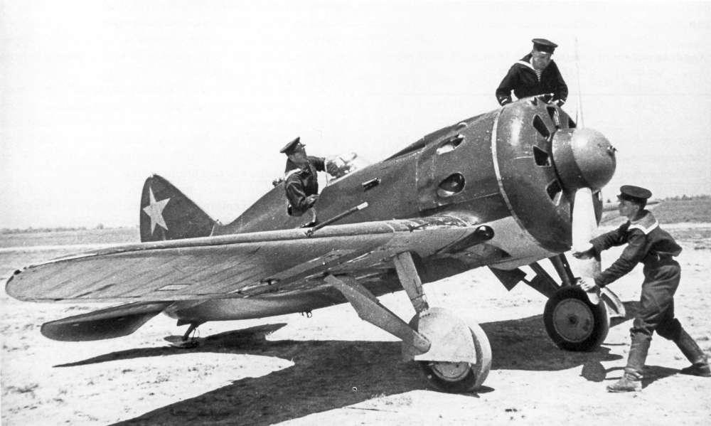 Soviet fighter Polikarpov I-16
