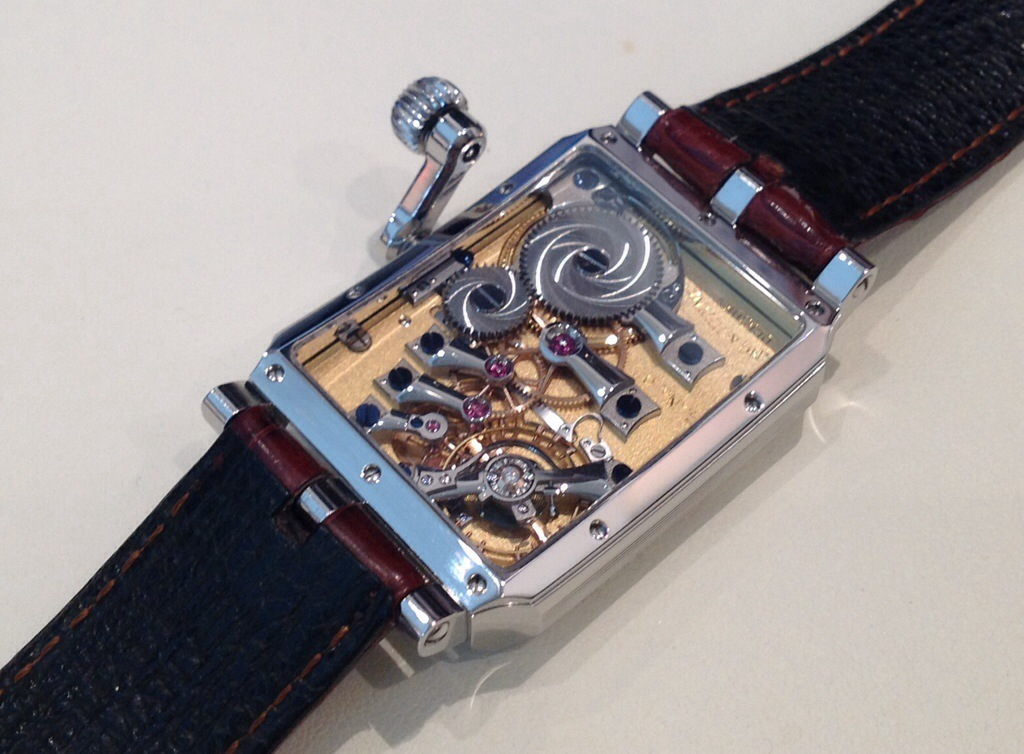 Lang & Heyne Georg with crank-handle crown, caseback