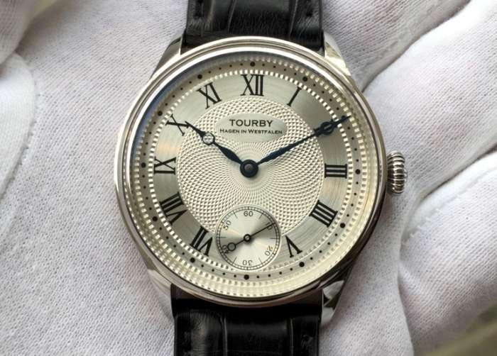 Tourby Guilloche Roman 40