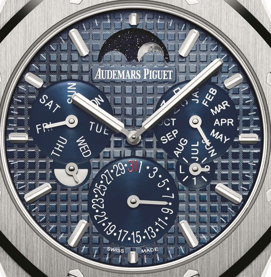 Audemars Piguet Royal Oak RD#2 dial detail