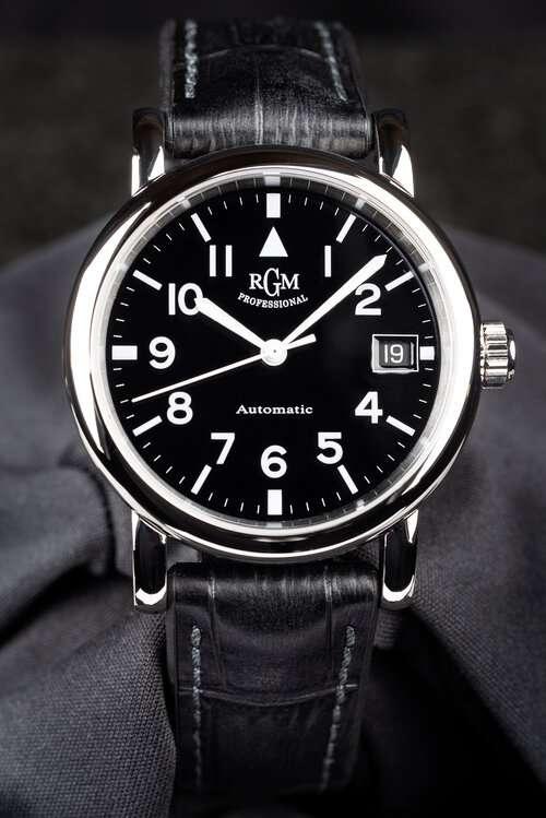 RGM Model 207 pilots watch